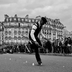 paris blackandwhite emotions retro walking